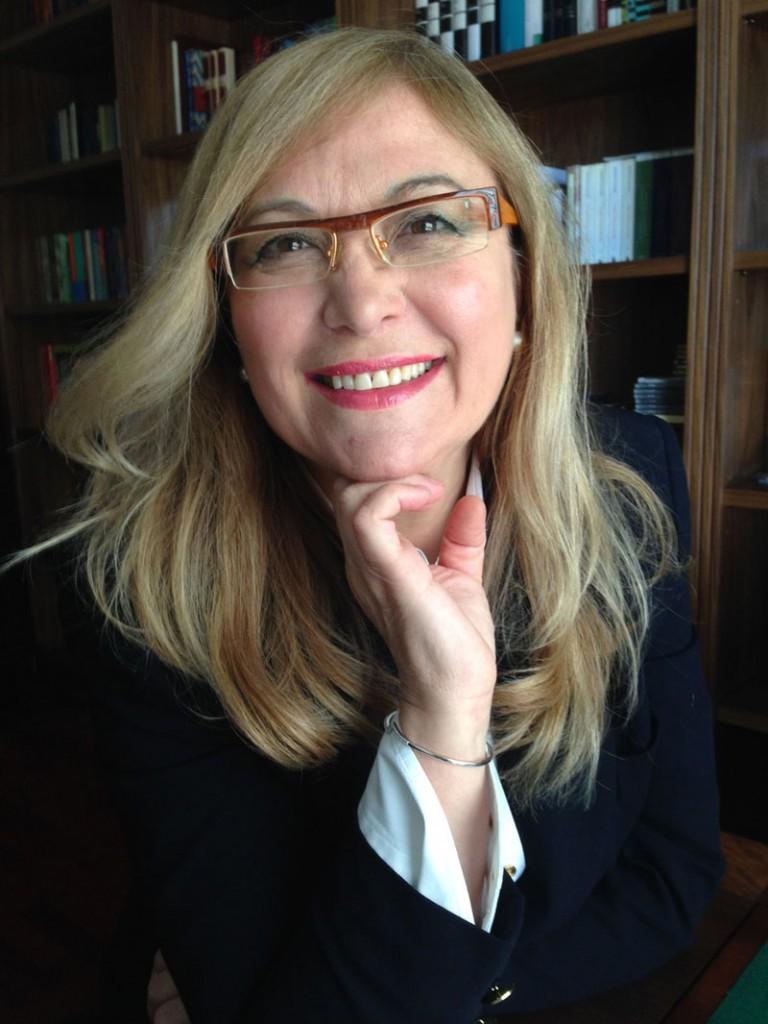 Cirujano plástico Dra Carmen Huertas